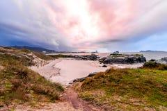 Coucher du soleil orageux Samil - à Vigo image libre de droits