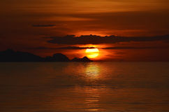 Coucher du soleil orange Photos libres de droits