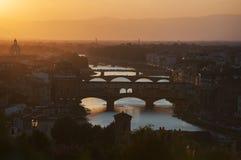 Coucher du soleil orange d'été en Florence Italy images stock