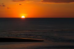 Coucher du soleil orange profond photographie stock libre de droits