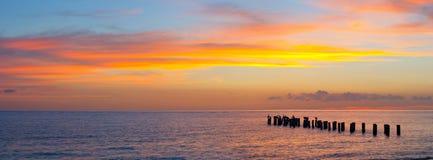 Coucher du soleil ou paysage de lever de soleil, panorama de belle nature Photos libres de droits