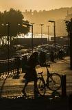 Coucher du soleil par la façade d'une rivière, Porto, Portugal images stock