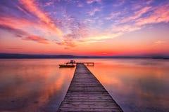 Coucher du soleil passionnant en rouge Photo stock