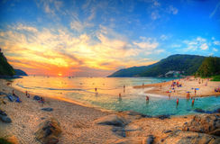 Coucher du soleil épique de plage Images libres de droits