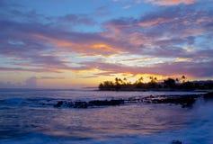 Coucher du soleil pourpre de Poipu Photographie stock libre de droits
