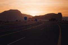 Coucher du soleil près d'Al-Ula dans les déserts de l'Arabie Saoudite photographie stock libre de droits