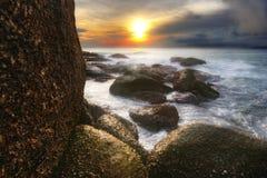 Coucher du soleil rêveur de Karon Photos stock