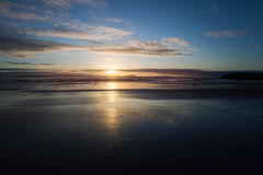 Coucher du soleil Rivage de l'Océan Atlantique Photo libre de droits