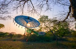 Coucher du soleil romantique dans Bagan, Myanmar Photo libre de droits