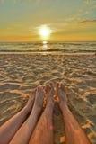 Coucher du soleil romantique par la Baltique photographie stock libre de droits