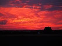 Coucher du soleil rose sans le filtre, ciel à la soirée, paysage Photographie stock