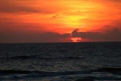Coucher du soleil rouge photographie stock