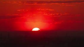 Coucher du soleil rouge banque de vidéos
