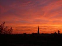 Coucher du soleil rouge au-dessus de Berlin résidentiel Images libres de droits