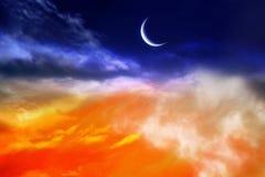 Coucher du soleil rouge et lune Images stock