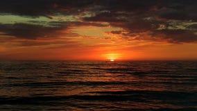 Coucher du soleil stupéfiant dans Palanga photographie stock libre de droits