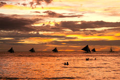 Coucher du soleil sur Boracay Photo stock