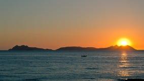 Coucher du soleil sur des îles de Cies Image stock