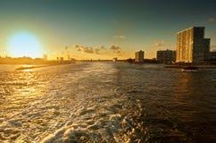 Coucher du soleil sur des marais de port Photo libre de droits