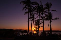 Coucher du soleil sur Hamilton Island, Australie photos stock