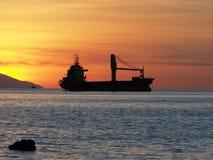 Coucher du soleil sur l'île de Flores, Bali en Indonésie Image libre de droits