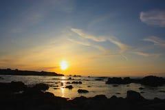Coucher du soleil sur l'horizon Image stock