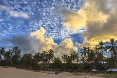Coucher du soleil sur l'île de Pâques, Chili Photos stock