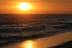 Coucher du soleil sur l'océan pacifique Photo libre de droits