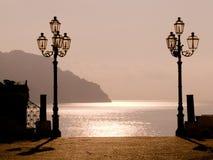 Coucher du soleil sur la côte Image stock