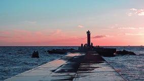 Coucher du soleil sur la côte de mer baltique Photos stock