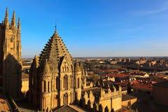 Coucher du soleil sur la cathédrale de Salamanque Photographie stock libre de droits