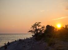 Coucher du soleil sur la mer Photo stock