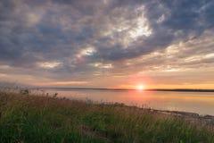 Coucher du soleil sur la mer baltique Photo stock