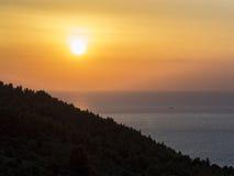 Coucher du soleil sur la mer, Conero, Marche, Italie Photographie stock libre de droits