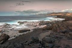 Coucher du soleil sur la plage de Barlavento, Fuerteventura, Îles Canaries Photos stock