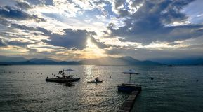 Coucher du soleil sur la plage de Binh Lap photos libres de droits