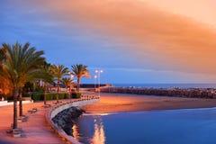Coucher du soleil sur la plage de Calheta en la Madère Photographie stock