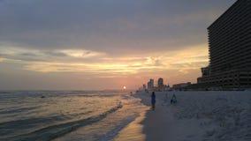 Coucher du soleil sur la plage de Panamá City Photos libres de droits