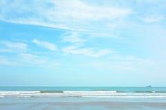 Coucher du soleil sur la plage des Seychelles Photos stock