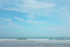 Coucher du soleil sur la plage des Seychelles Photographie stock libre de droits