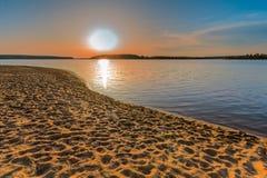 Coucher du soleil sur la rivière à Moscou photo libre de droits