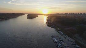 Coucher du soleil sur la rivière 2 image stock