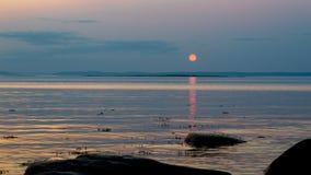 Coucher du soleil sur la rivière de StLawrence, Québec photo stock