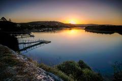 Coucher du soleil sur la rivière Kowie dans le port Alfred Images stock