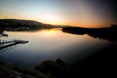 Coucher du soleil sur la rivière Kowie dans le port Alfred Photos libres de droits