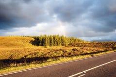 Coucher du soleil sur la route image libre de droits