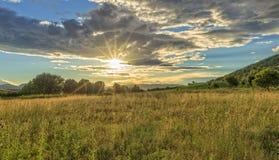 Coucher du soleil sur la route vers Santiago par Navarra image stock
