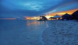 Coucher du soleil sur le Curaçao photographie stock libre de droits
