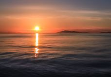 Coucher du soleil sur le ferry photo stock