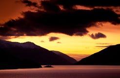 Coucher du soleil sur le fjord Photographie stock